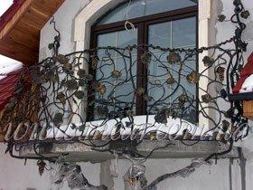 ограждение для балкона с ковкой