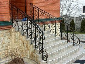 кованые лестничные перила