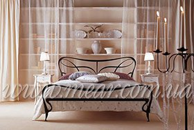 Итальянские кованные кровати в спальню