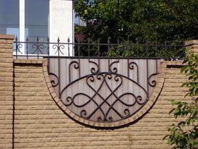 кованые пики на забор